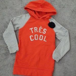 5 Hooded sweatshirt